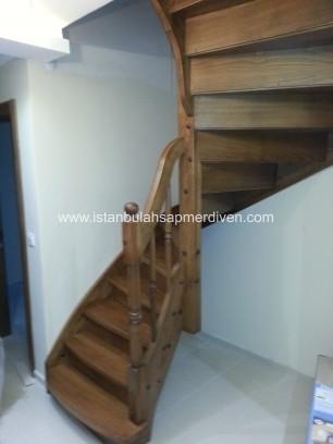 U Dönüşlü Rıhtı Kapalı Merdivenler