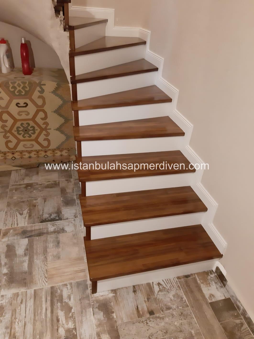 L Dönüşlü Merdiven